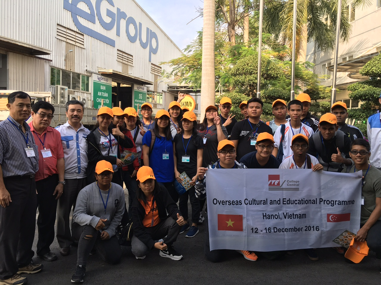 Students from the Singapore Institute of Technical Education (ITE) visit LeGroup in their field trip to Vietnam.